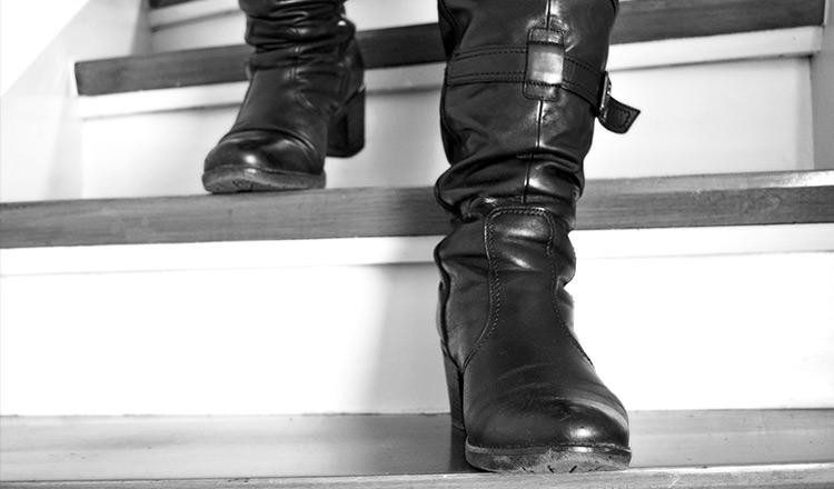 Mistress di Roma cerca schiavo che lecca i piedi e non solo